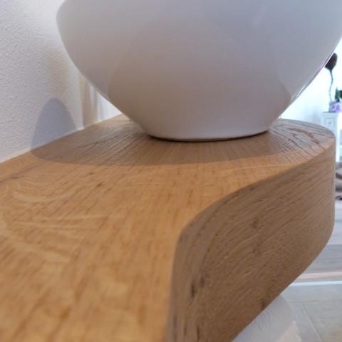 Waschtischplatte aus formverleimter Eiche gebürstet und geölt